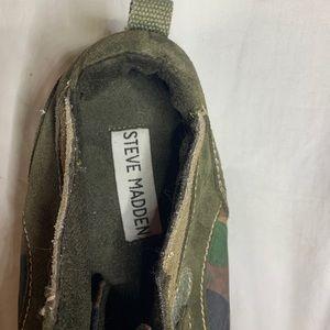 Steve Madden Camo/Olive Fashion Sneaker NWOT Sz 10